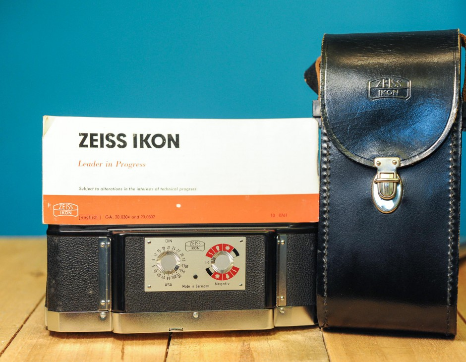 Zeiss Ikon Interchangeable Film Back for Contarex & Contaflex w/ Leather  Shoulder Case