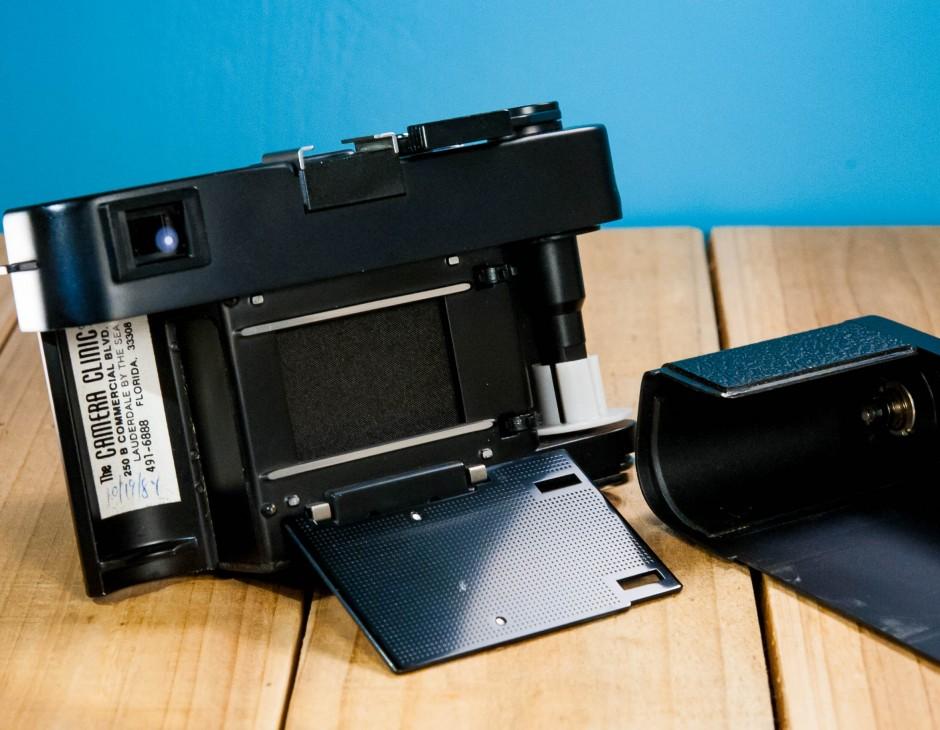 Leica CL w/ Summicron-C 40mm F/2